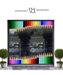 Vetrina-con-matite-colorate
