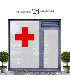 vetrina con croce rossa