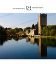 laghetto con torre medievale