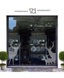 vetrina-con grandi e piccoli cervi in adesivo sabbiato