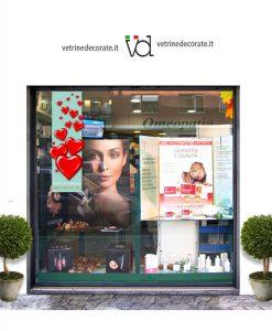 Vetrina-con-festone-San-Valentino.Acquamarina