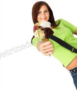 Ragazza con gelato