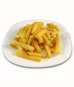 vetrofania con piatto di patatine