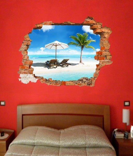 spiaggia tropicale con palma dietro un buco nel muro della stanza da letto