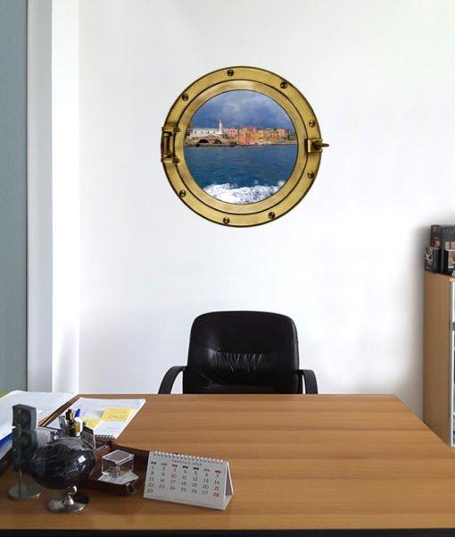 oblò nella parete dell'ufficio da con immagine dell'isola di Ventotene