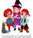 tre bambini con costumi di carnevale