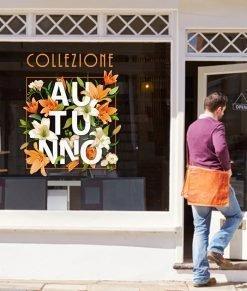 vetrina con collezione d'autunno